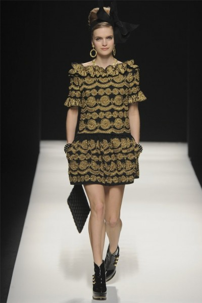 http://fashiongonerogue.com/wp-content/uploads/2012/02/moschino36-400x600.jpg