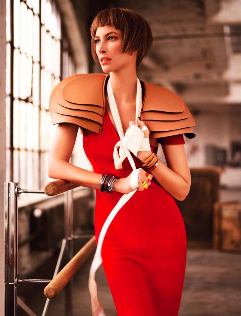 Christy Turlington By Simon Upton For Harpers Bazaar Singapore