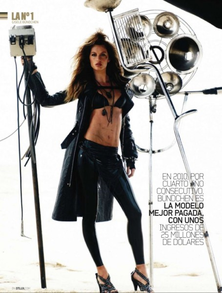 Gisele Bundchen for <em>DT Magazine</em> October 2010 by Mario Testino