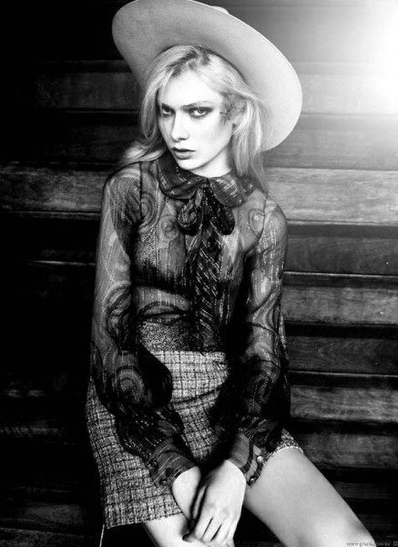 Natalie Hockey in Chanel for <em>Grazia Australia</em> January 2011