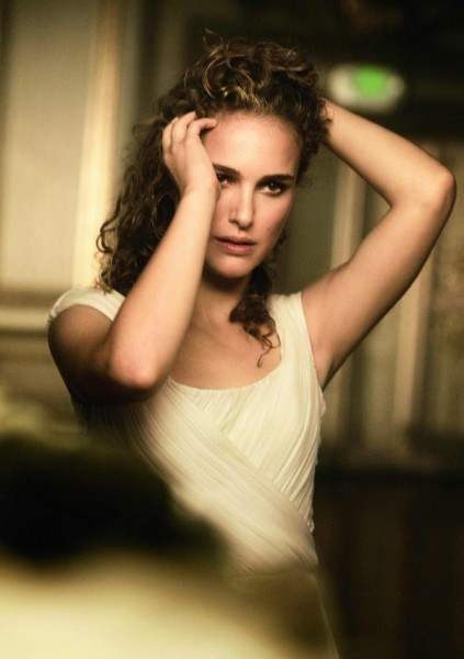 Natalie Portman for <em>Vogue US</em> January 2011 by Peter Lindbergh