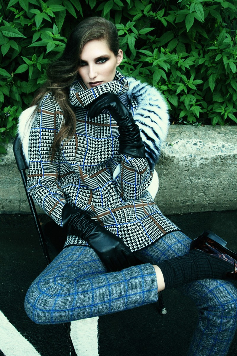 kelsey van mook2 Kelsey Van Mook Covers Up for Fall in Richard Bernardins Elle Canada Shoot