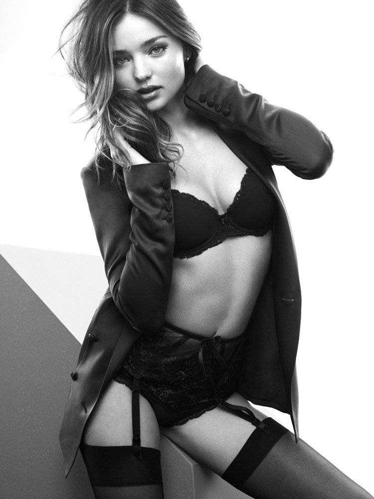 miranda sexy4 Miranda Kerr Sizzles in Lingerie Looks for Esquire UKs December Cover Shoot