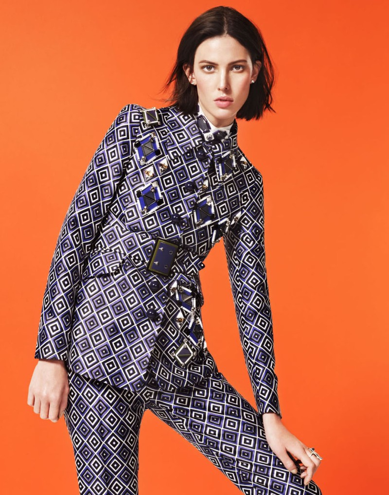 ruby aldridge5 Ruby Aldridge Dons Standout Fall Looks for V Spain, Lensed by Aingeru Zorita