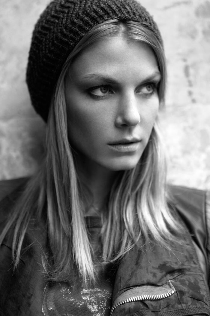 AngelaDays12 Angela Lindvall Dons 7 Looks in 7 Days for Vogue.es Feature by Ruben Vega