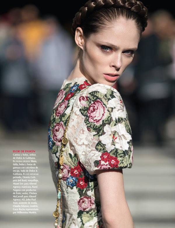 CocoVogue5 Coco Rocha Hits the Streets in Dolce & Gabbana for Vogue Mexico December 2012