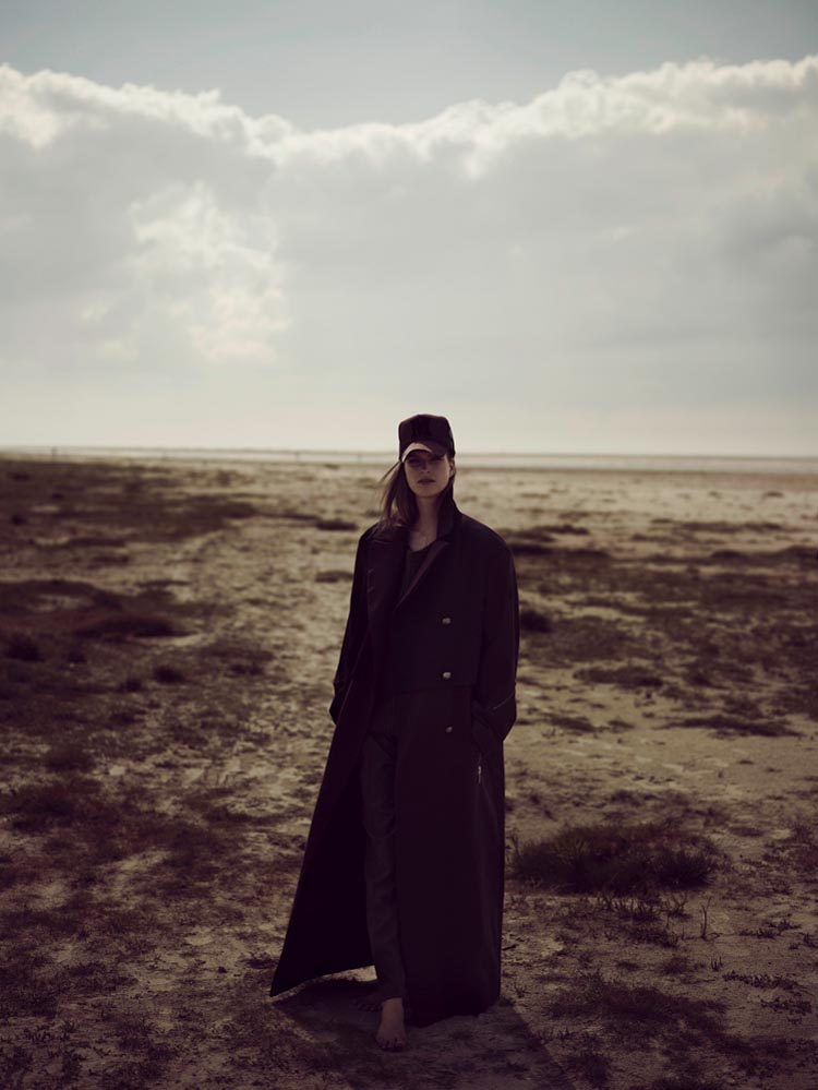 MirteVogue5 Mirte Maas Takes it Easy in Annemarieke van Drimmelens Vogue Netherlands Shoot