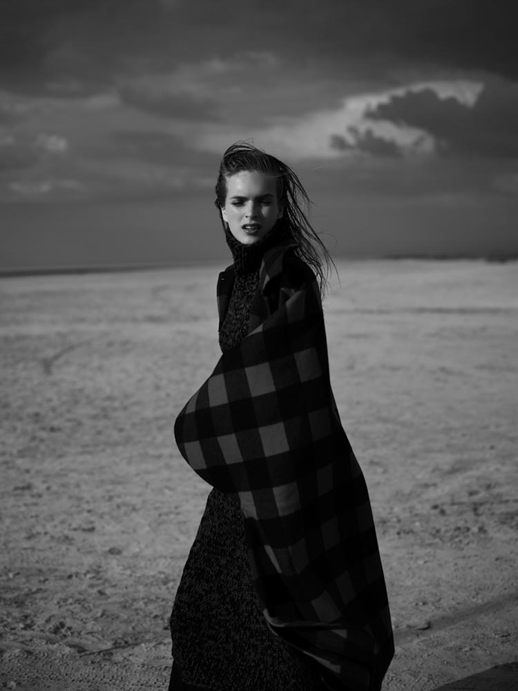 MirteVogue6 Mirte Maas Takes it Easy in Annemarieke van Drimmelens Vogue Netherlands Shoot