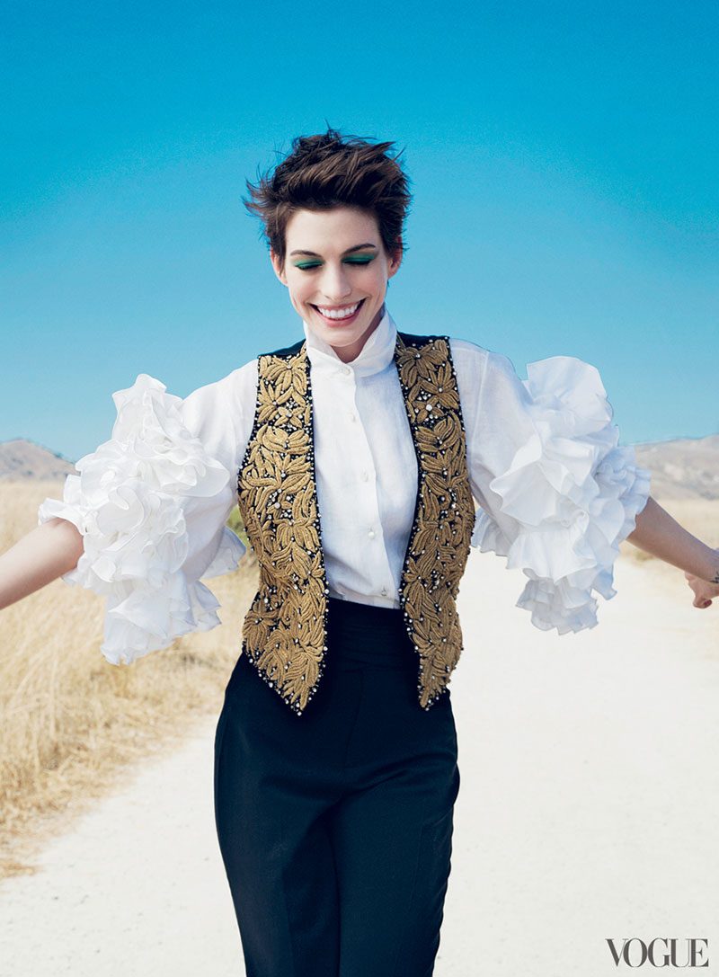 annecover2 Anne Hathaway Graces the December 2012 Cover of Vogue US