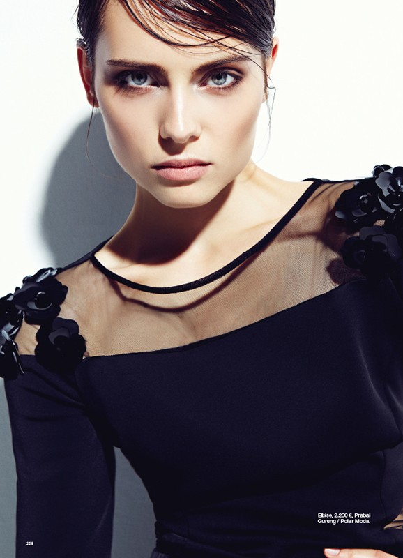 bazaar turkey5 Romana Balazova Dons Evening Glam for Harpers Bazaar Turkey November 2012 by Ahmet Unver