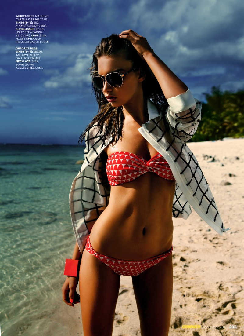 bikini2 Steven Chee Captures Avril in Sexy Swimwear for Cosmopolitan Australia December 2012