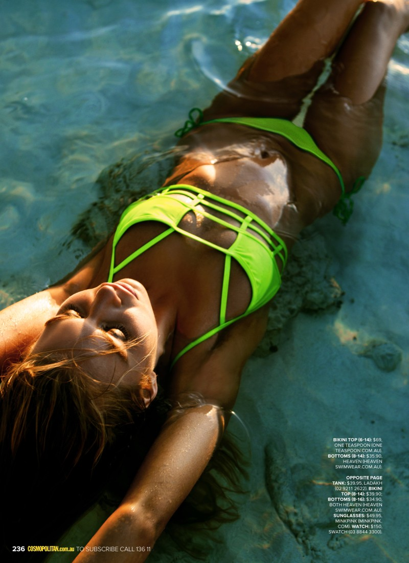 bikini5 Steven Chee Captures Avril in Sexy Swimwear for Cosmopolitan Australia December 2012