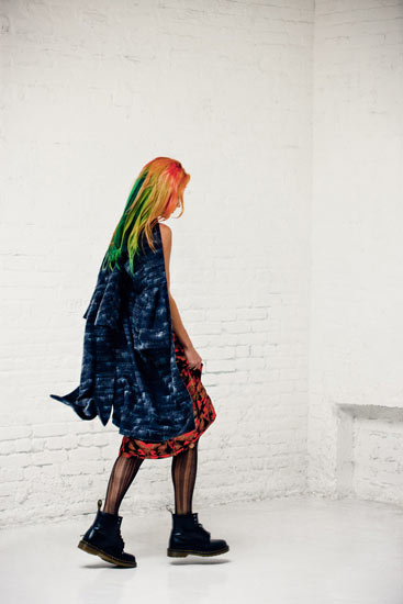chloe misfits2 Chloe Norgaard is a Misfit for Metal Magazine #28