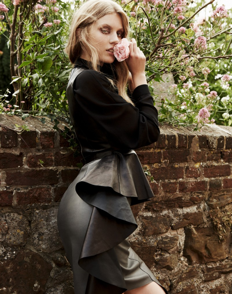 elsa4 Elsa Briesinger is Lovely in Leather for Grazia Germany #49