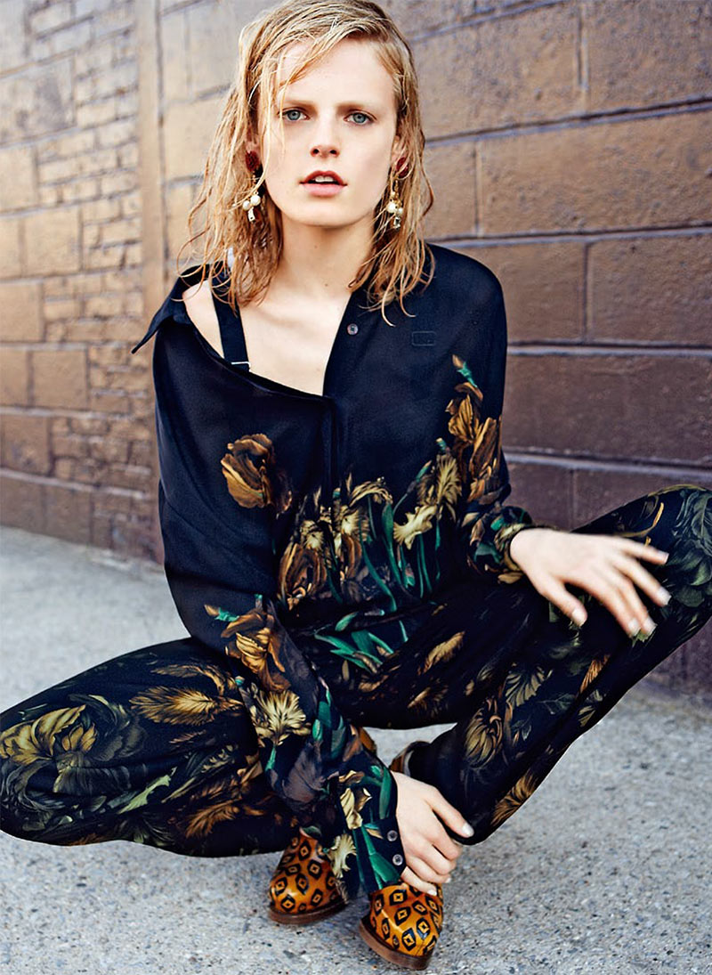 Hanne Gaby Odiele Styles and Stars in S Moda's October 2012 Cover Story