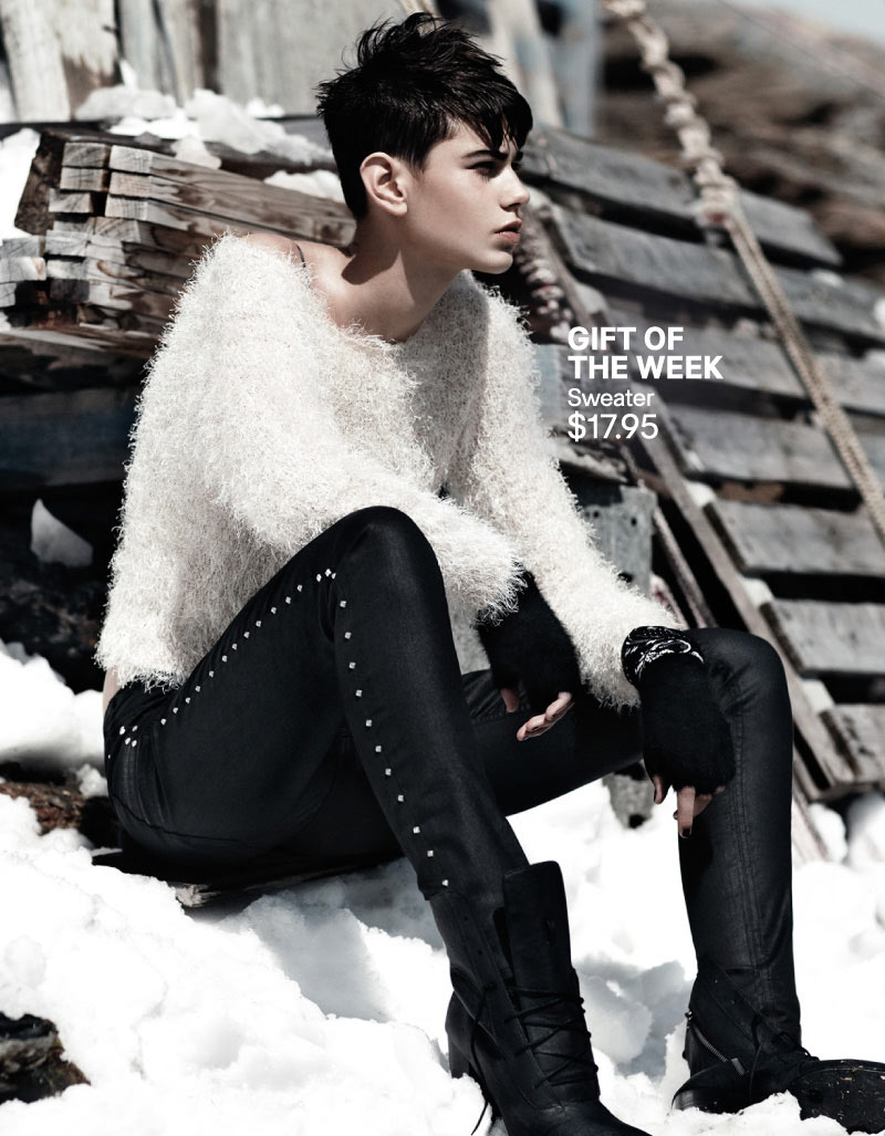 hm holiday5 Daria Werbowy Hits the Slopes for H&Ms Love the Holidays Winter 2012 Campaign