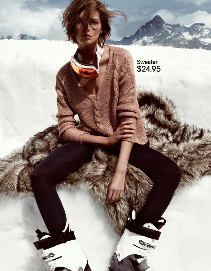 hm holiday6 Daria Werbowy Hits the Slopes for H&Ms Love the Holidays Winter 2012 Campaign