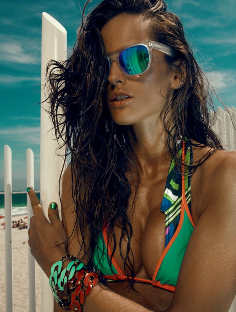 izabel goulart9 Izabel Goulart Rocks Sexy Beachwear Looks for Elle Brazil