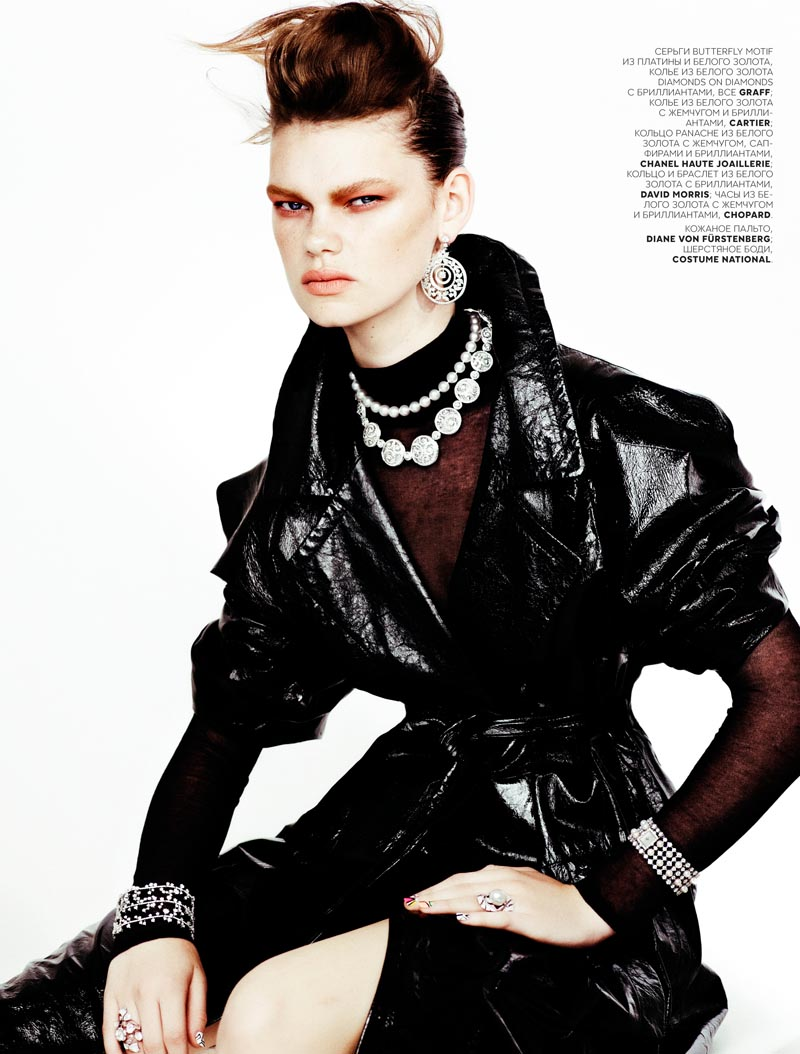 kelly mittendorf4 Kelly Mittendorf Dons Gems with Edge for Emma Tempests Vogue Russia Shoot
