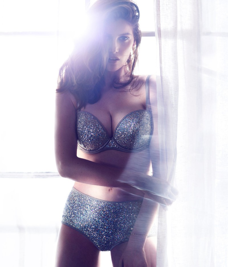 laetitia hm1 Laetitia Casta Seduces in the H&M F/W 2012 Lingerie Campaign