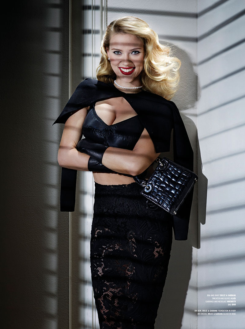 scarlett1 Scarlett Johansson Goes Psycho for the Cover of V Magazine #80