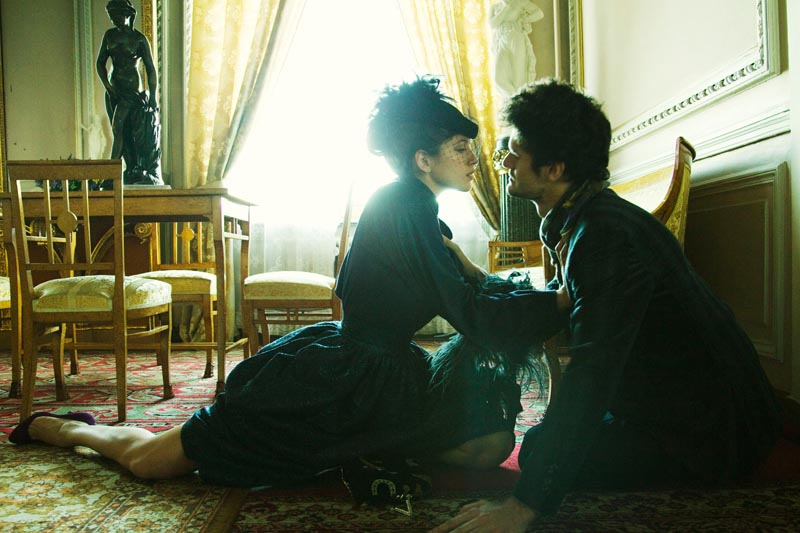 AnnaBiryukov5 Nikolay Biryukov Captures the Romance of Anna Karenina for Sobaka.ru Magazine