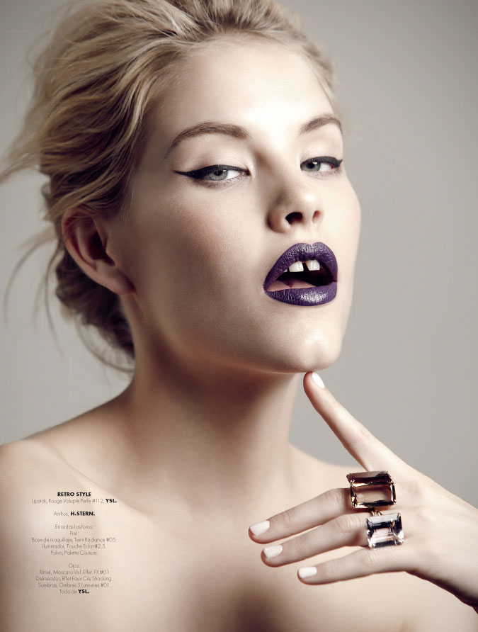 AshleyBeauty1 Ashley Smith Poses for Santiago Ruisenor in Elle Mexico December 2012