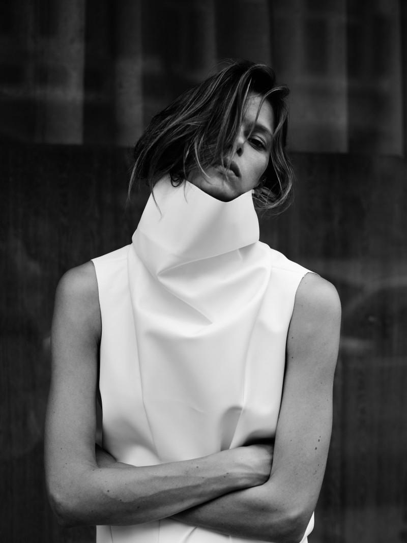 EliseRika10 Elise Crombez Dons Casual Elegance for Rika Magazine by Annemarieke van Drimmelen