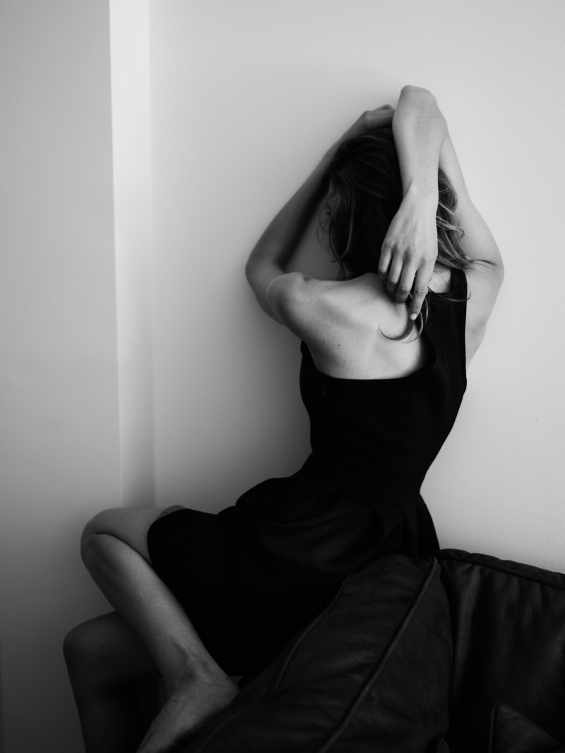 EliseRika11 Elise Crombez Dons Casual Elegance for Rika Magazine by Annemarieke van Drimmelen