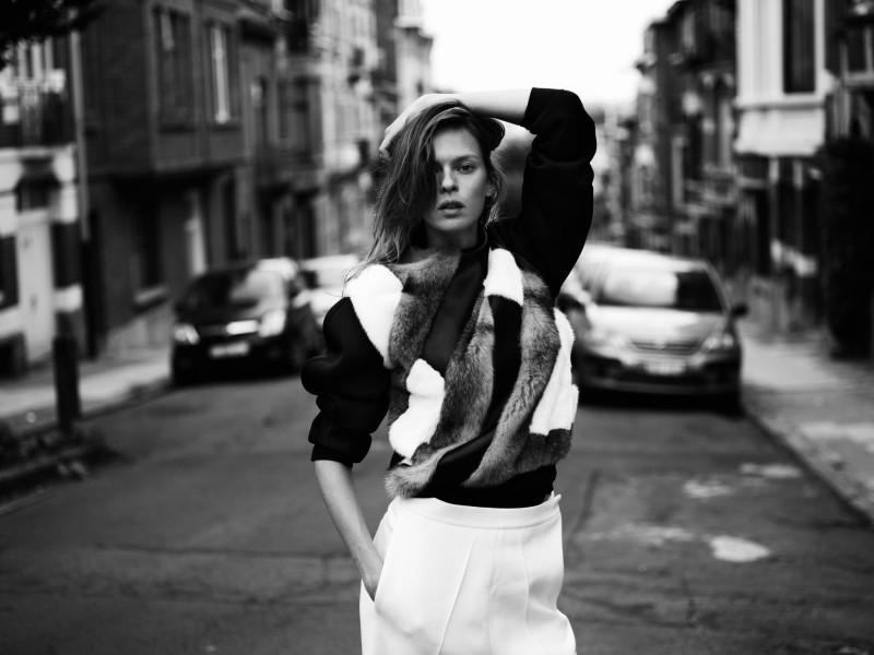 EliseRika14 Elise Crombez Dons Casual Elegance for Rika Magazine by Annemarieke van Drimmelen