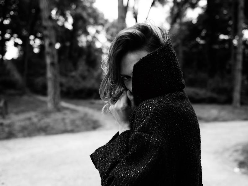 Elise Crombez Dons Casual Elegance for Rika Magazine by Annemarieke van Drimmelen