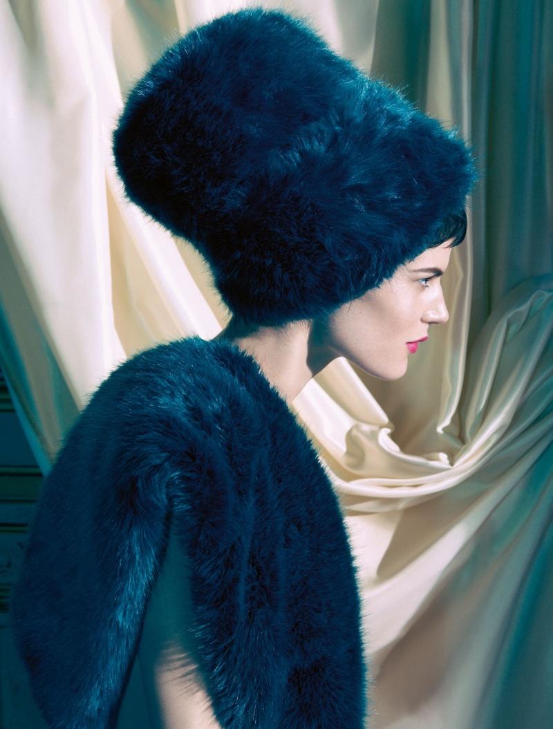 HMArkans19 Saskia de Brauw, Toni Garrn and Magdalena Frackowiak Star in H&M Magazine Winter 2012 by Camilla Akrans