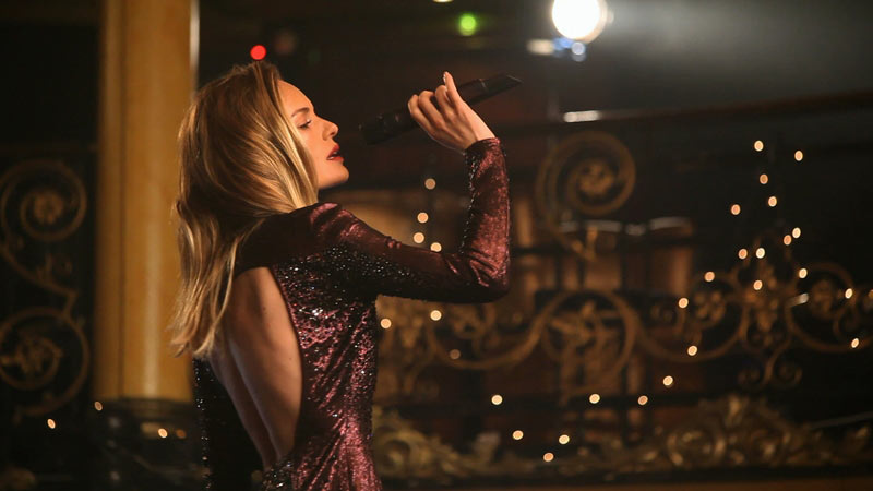 Topshop Kate Bosworth December 2012.tif 1 Kate Bosworth Sings in Topshops Winter Wonderland Film