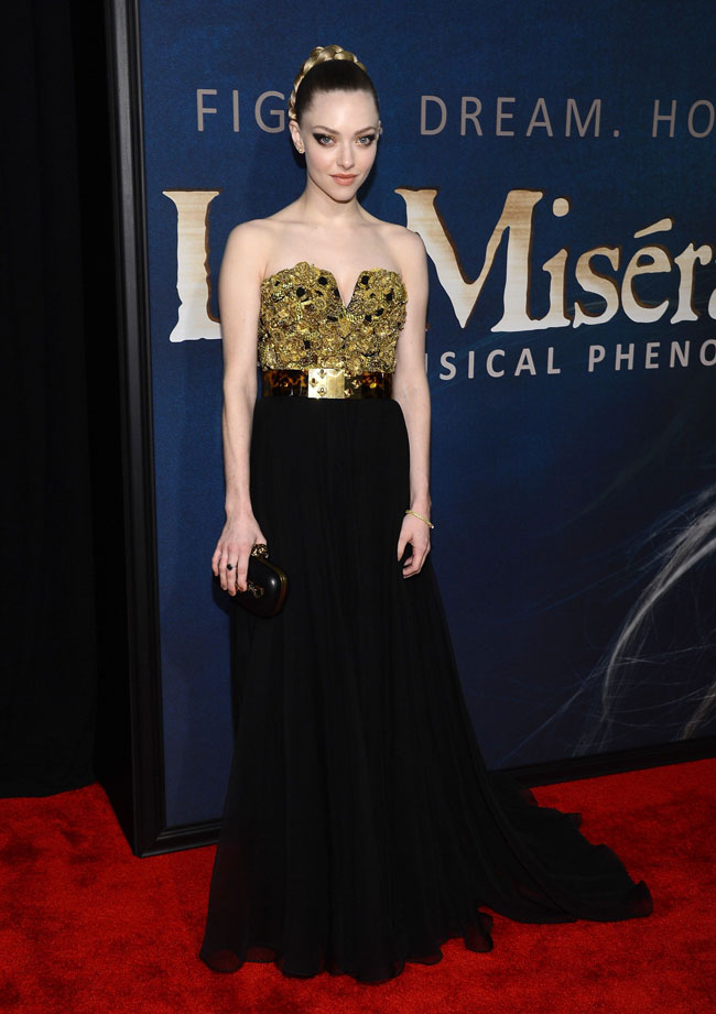 amanda3 Amanda Seyfried in Alexander McQueen at the Les Misérables New York Premiere