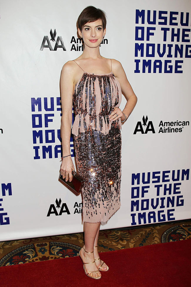 anne2 Anne Hathaway Shines in Nina Ricci at the Museum of the Moving Image's 27th Annual Black Tie Salute