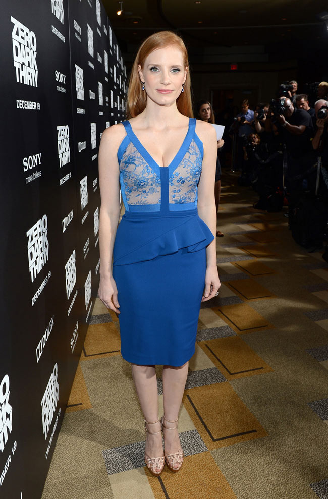 jessica2 Jessica Chastain in Elie Saab at Zero Dark Thirty Los Angeles Premiere