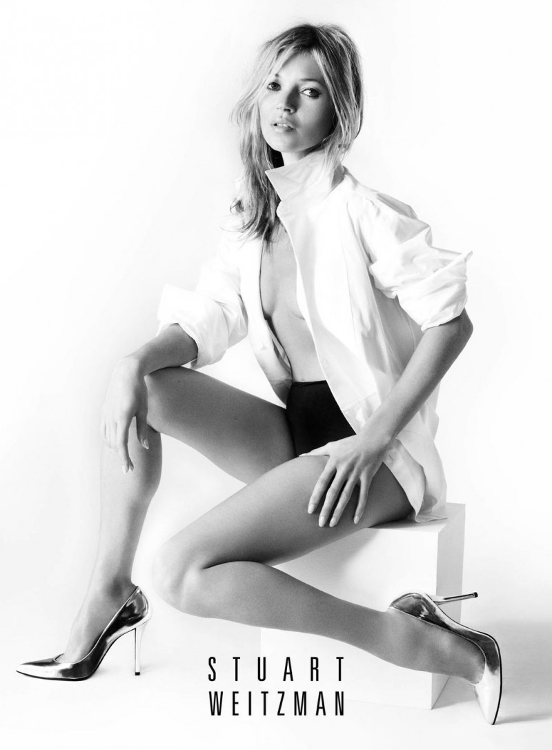 kate1 800x1087 Kate Moss Fronts Stuart Weitzmans Spring 2013 Campaign by Mario Testino