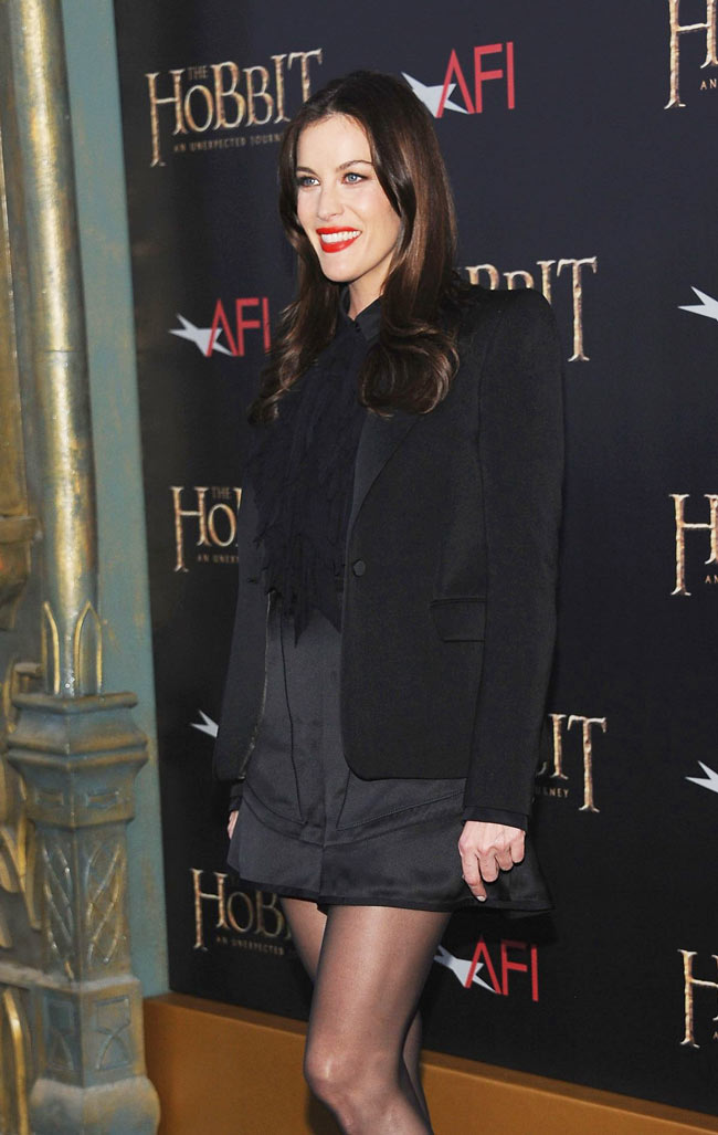 liv3 Liv Tyler in Givenchy at The Hobbit: An Unexpected Journey New York Premiere