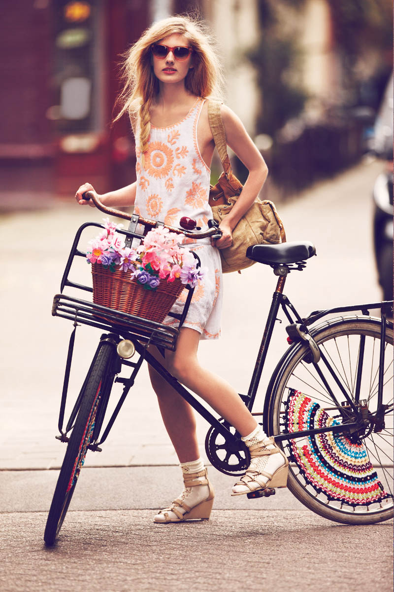 FreeJanuary6 Free People Features Girls on Bikes for its January 2013 Catalogue