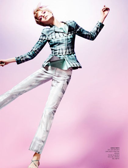 HanneShoot6 Hanne Gaby Odiele Sports Sixties Chic for S Magazine