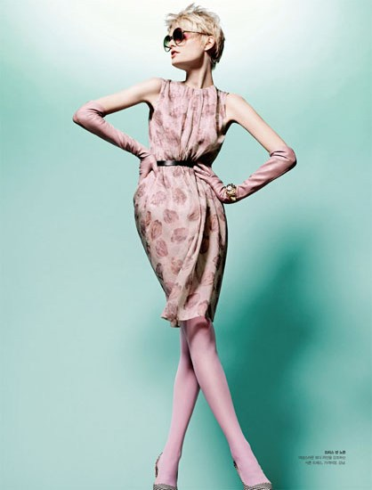HanneShoot7 Hanne Gaby Odiele Sports Sixties Chic for S Magazine