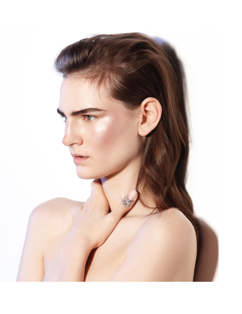 HirschyBeauty3 Hirschy Hirschfelder Dons Metallic Beauty for Russh #49 by Stephen Ward