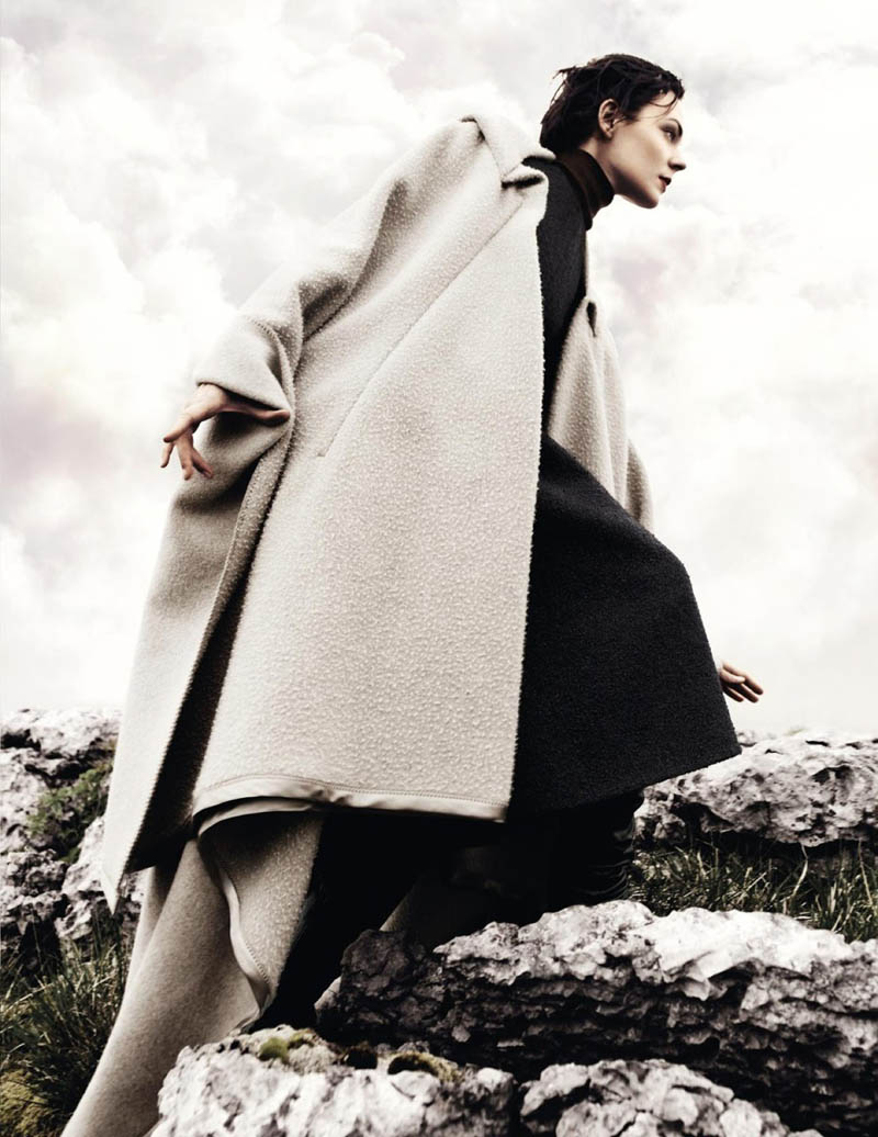 KingaRajzak2 Kinga Rajzak Dons Winter Wear for Vogue Spain January 2013 by Jason Kibbler