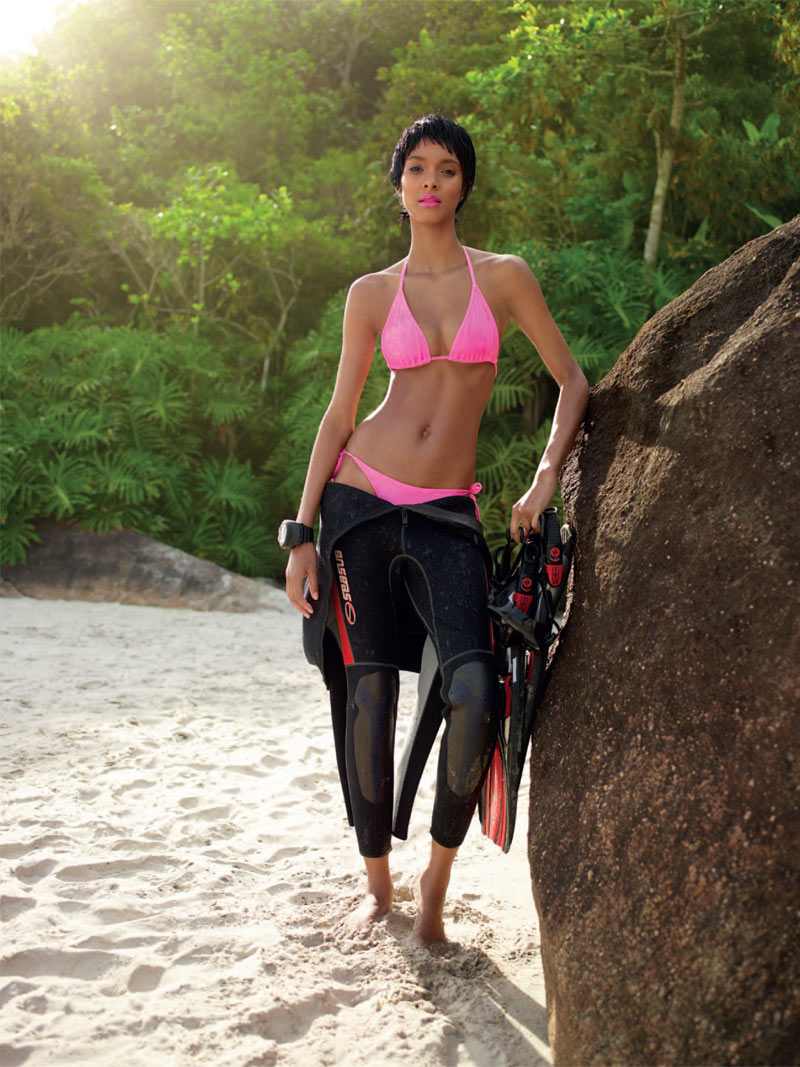 LaisBazaar3 Lais Ribeiro Sports Scuba Style for Harpers Bazaar Brazil January 2013
