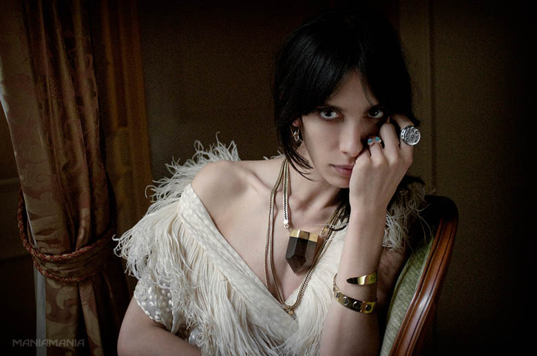 ManiaMania1 ManiaMania Enlists Jamie Bochert for its Performance Campaign