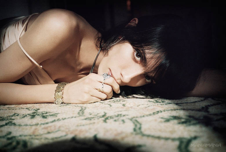 ManiaMania6 ManiaMania Enlists Jamie Bochert for its Performance Campaign