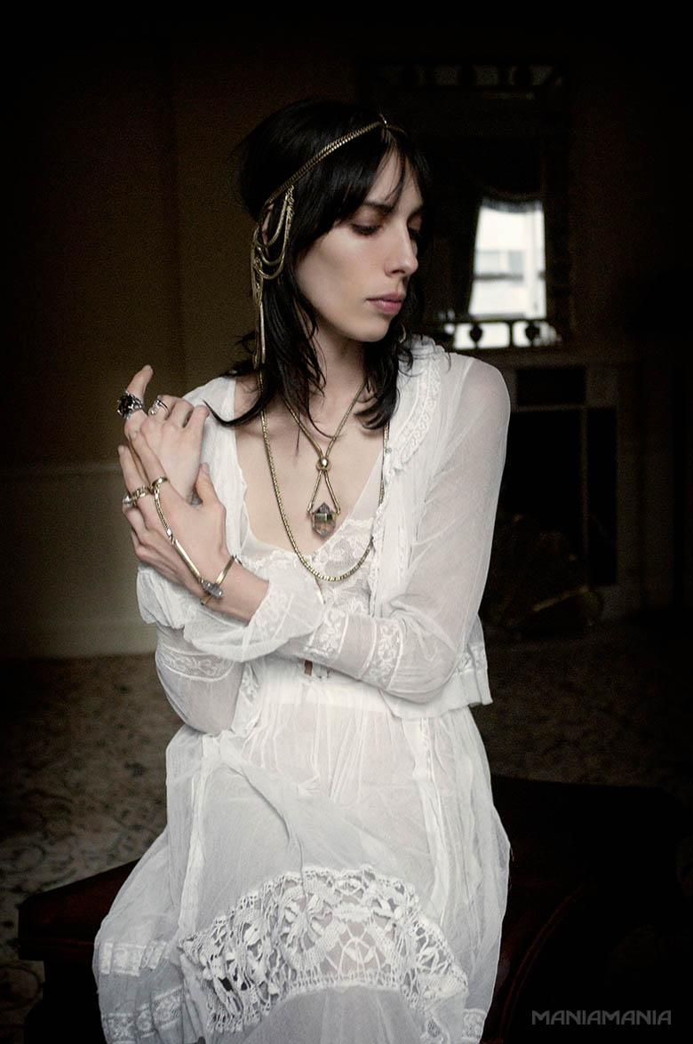 ManiaMania8 ManiaMania Enlists Jamie Bochert for its Performance Campaign