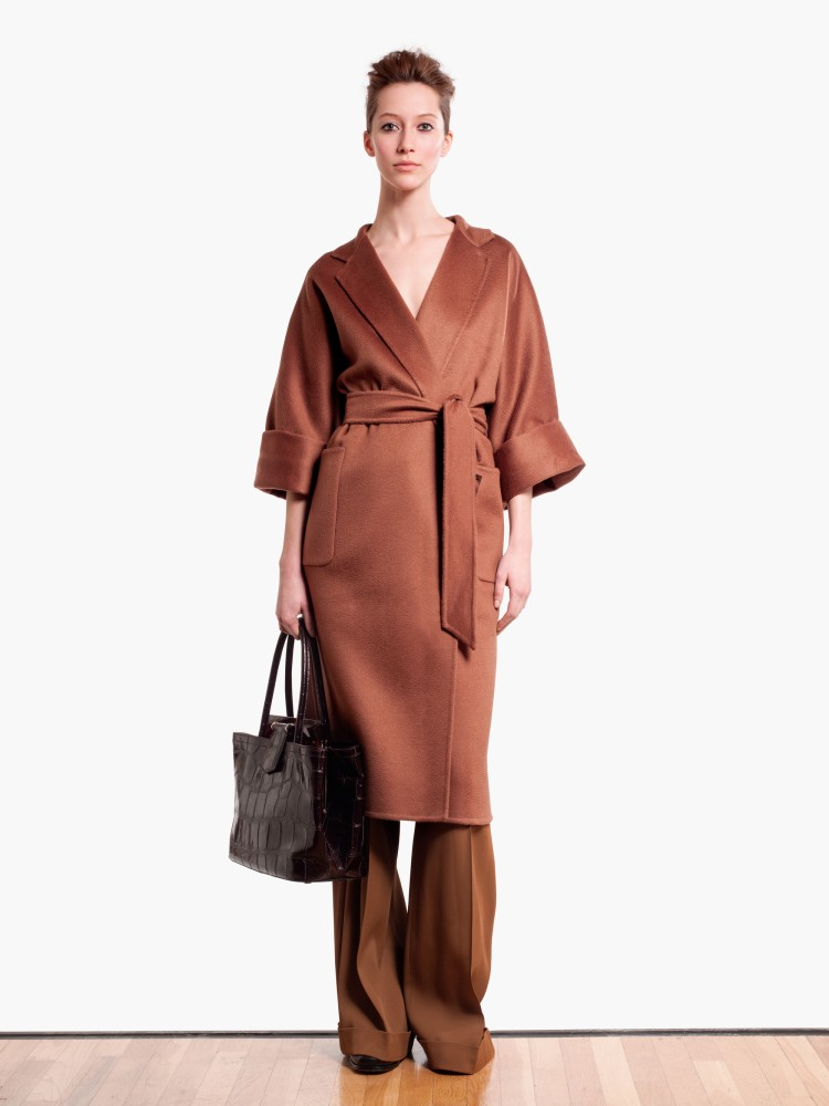 MaxMaraPF12 Max Mara Showcases Oversized Elegance for its Pre Fall 2013 Collection