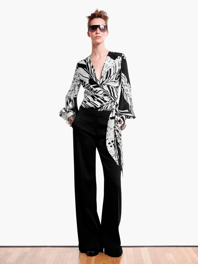 MaxMaraPF15 Max Mara Showcases Oversized Elegance for its Pre Fall 2013 Collection