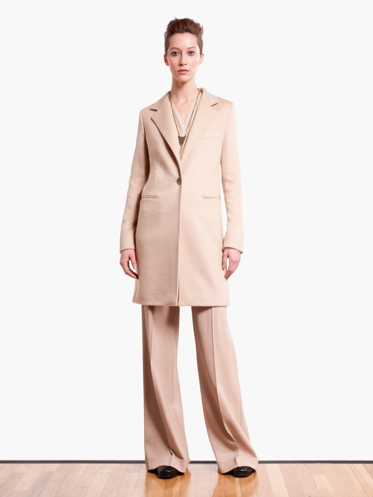 MaxMaraPF3 Max Mara Showcases Oversized Elegance for its Pre Fall 2013 Collection